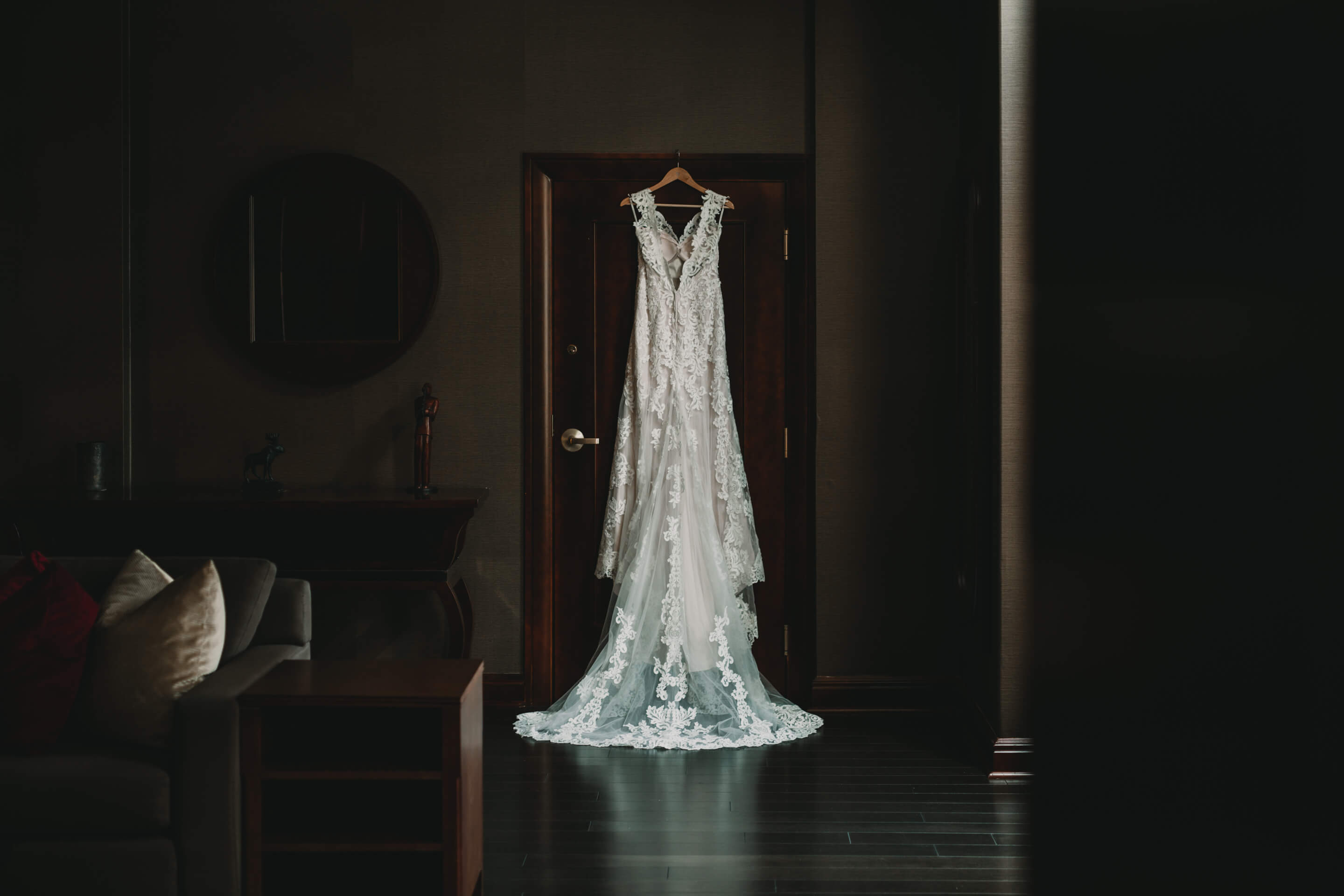 Wedding Photography Tips for Brides | Wedding Dress | Wedding Gown | Calgary Bridal Photography