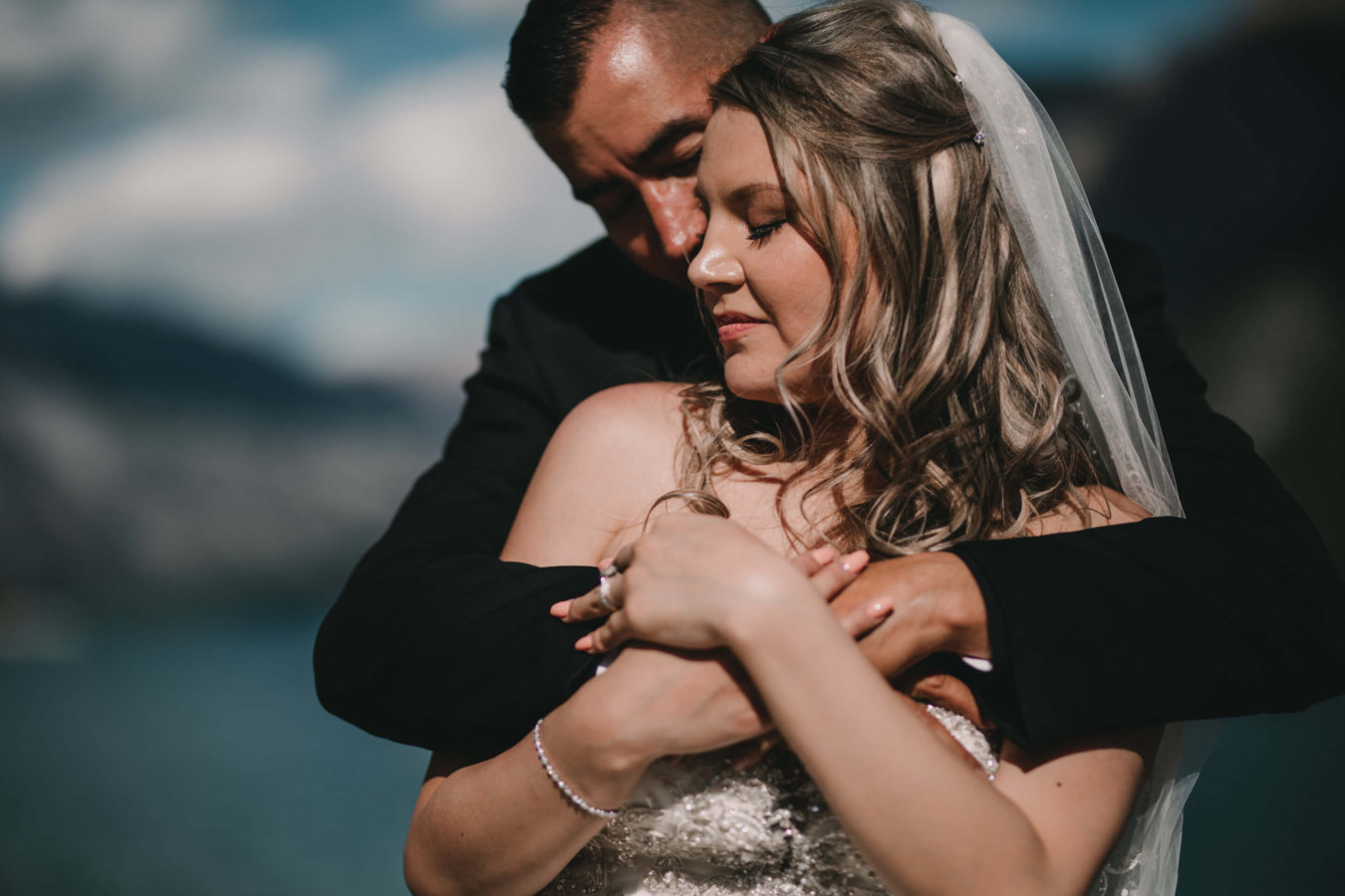 Banff Elopement | Bridal Photographer | Calgary Wedding Photographer | Lake Minnewanka Wedding