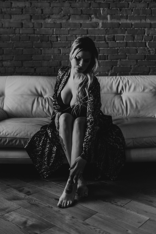 Kaitlyn Calgary Edmonton Boudoir_20181208_Anita Jeanine Photography_02
